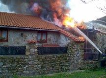 160218-incendio-pujayo-002