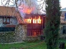 160218-incendio-pujayo-008