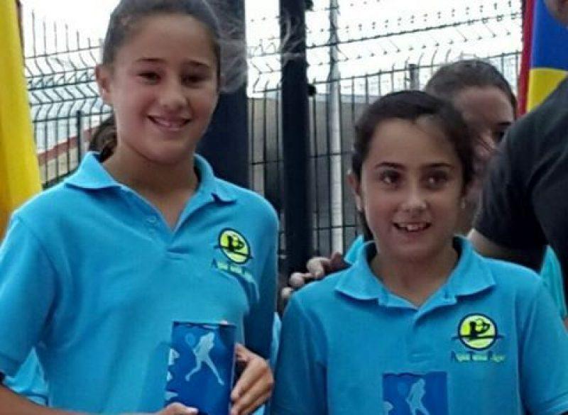 Rueda y Díaz, de ATP, campeonas de Cantabria alevín